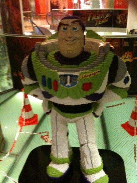 Space Ranger Buzz Lightyear aus Lego.