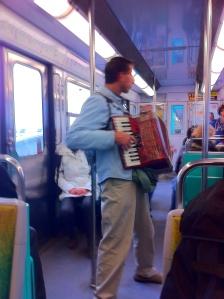 Musik gehört in der Metro dazu.