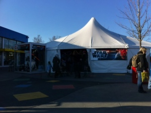 Das Star Wars Zelt ist nicht mehr Zentrums des Interesses.