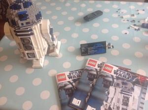 Fertiges Lego Star Wars Set 10225 R2-D2