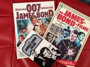 Der Grundstock meiner James Bond-Büchersammlung.