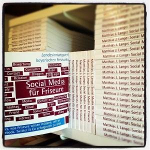 """Das Buch """"Social Media für Friseure"""" ist zum Renner in der Handwerksliteratur geworden. Vielen Dank dafür."""