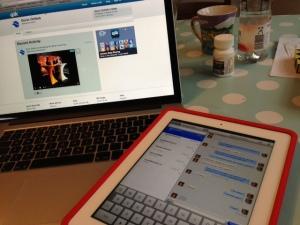 Mit dem iPad im Chat und dem MacBook Pro live den Stream verfolgt.
