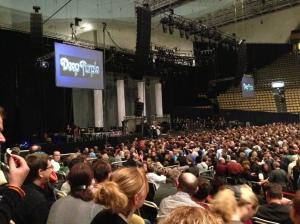 Warten auf den Deep Purple Auftritt in der Olympia-Halle in München