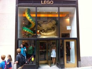 Der Eingang zum Lego Store New York.