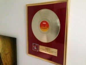 """Meine """"Goldene Schallplatte"""" von Meister Dylan."""