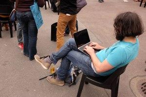 Ob sich dieser Besucher der re_publica für einen Arbeitsplatz ohne mobiles Internet entscheidet?