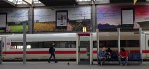 Amazon-Werbung im Münchner Hauptbahnhof.