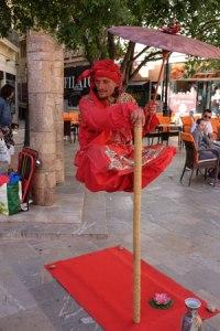 Zauberei? Straßenkünstler in Mallorca.