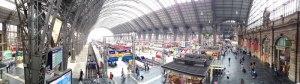 Kleines Panorama vom Frankfurter Hauptbahnhof.