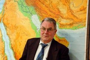 Herbert Mair im Jahre 2006 bei einem Vortrag über den Nahen Osten.