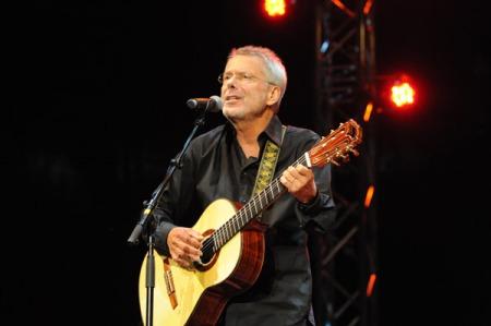 Reinhard Met bei einem Auftritt bei den Songs. Foto: Lange