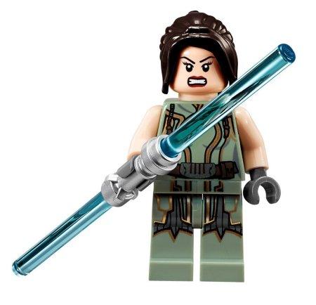 Satele Shan besitzt ein blaues Doppellaserschwert, ihre bekannte Standardwaffe in der Old Republic.