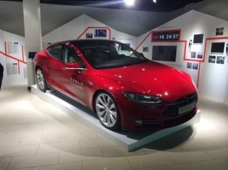 Ist Tesla, hier in Gatwick, eine disruptive Technologie?