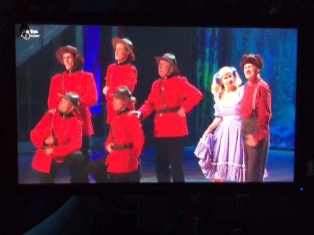 Und alle singen den Lumberjack-Song.