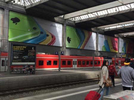 iPhone 5c am Hauptbahnhof München.
