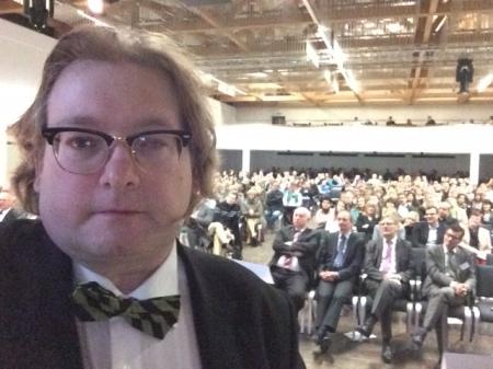 Meine Präsentationen, wie hier vor 500 Lehrern beim regionalen Schulentwicklungstag in Niederbayern, mache ich nur noch mit dem iPad.