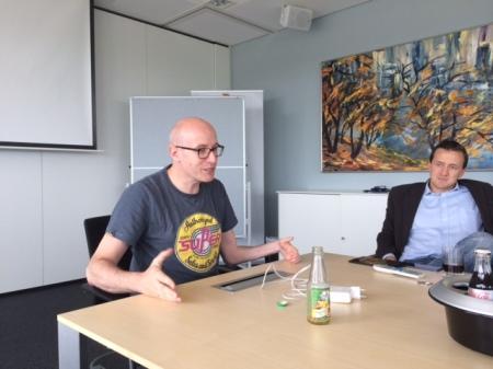 Chefredakteur Daniel Steil und seinem Stellvertreter Florian Fest