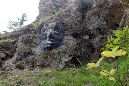 Der Teufel höchst persönlich in Stein gehauen.