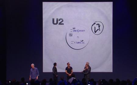 Bei iTunes gibt es das neue U2 Album umsonst.