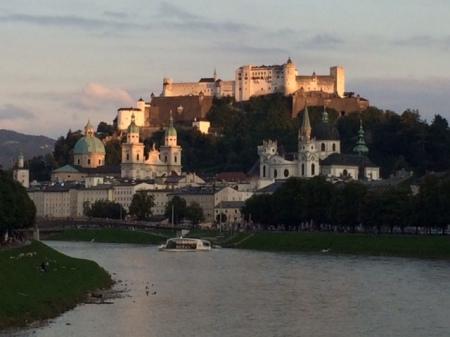 Auf meiner Fahrt nach Salzburg hatte ich natürlich was zum Lesen dabei.