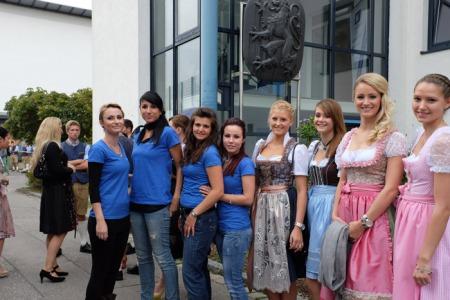 Das Wieser-Team mit einigen Spielerfrauen.