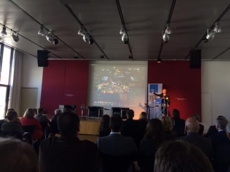 Prof. Dr. Linda Breitlauch zeigte WoW.