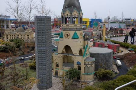 Die Kaiser Wilhelm Gedächtniskirche  aus Lego.
