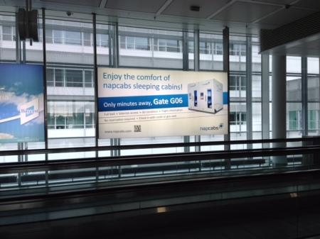 Die Werbung ist mir am Flughafen München aufgefallen.
