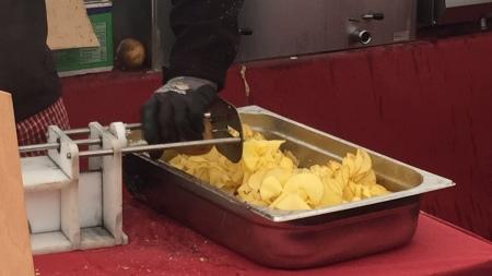 Chips am Wochenmarkt.