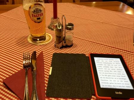 Das Hanseatische Oberlandesgericht verbietet den Weiterverkauf von eBooks (Az.: 10 U 5/11).