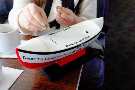 Die Deutsche Gesellschaft zur Rettung Schiffbrüchiger finanziert sich über Spenden.