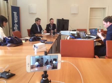 Staatsminister Markus Söder machte einen Hangout und ich war dabei.