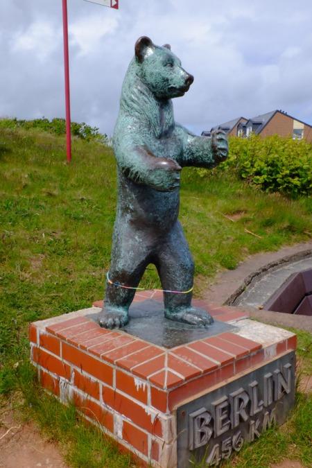 Was macht der Berliner Bär auf Helgoland?