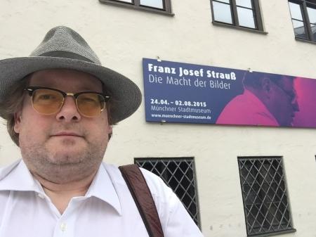 Ein Besuch im Stadtmuseum brachte mich dem medialen Phänomen FJS näher.