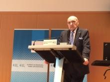 Wilfried Scharnagl beim Vortrag