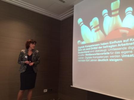 Simone Frömming, Country Manager Deutschland bei VMware, stellt die Studie vor.
