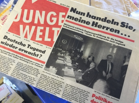 Zeitungen aus der DDR - hier die Junge Welt.