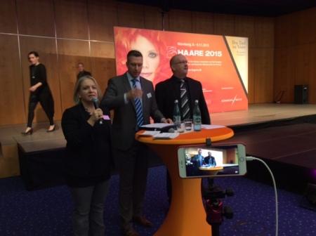 Pressesprecherin Barbara Böck links eröffnete die Veranstaltung.