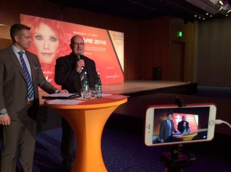 Ich übertrug die Pressekonferenz zur HAARE live ins Internet via Periscope.