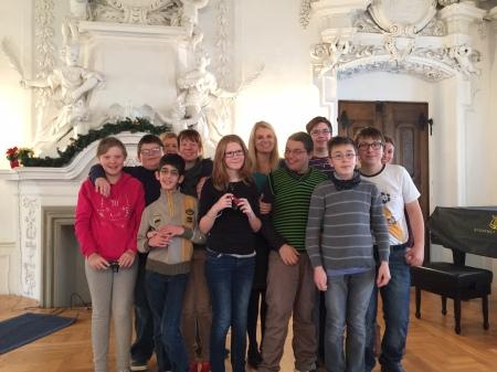 Die ComPost-Redaktion im Kaisersaal in Kloster Banz.