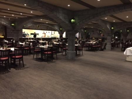 Im Restaurant der Königsburg wurde serviert.