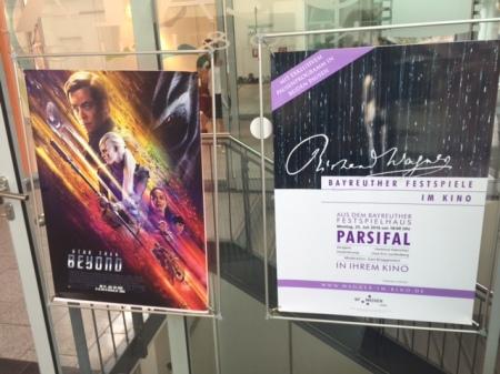 Parsifal neben Star Trek.