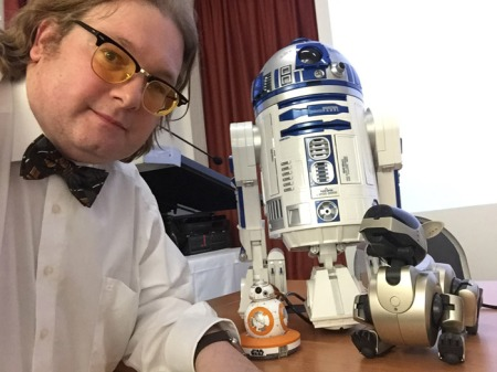 R2D2 ist Teil meiner Roboterspielzeugsammlung.