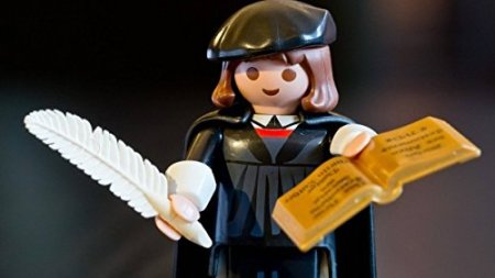 Martin Luther als Playmobil-Figur.