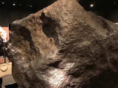 Der 4,5 Milliarden Jahre alte Cape York Meteor ist fast so alt wie die Sonne