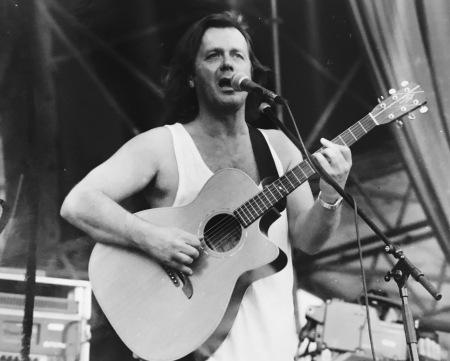 John Wetton - live in Olching, LK Fürstenfeldbruck 1997. Foto: Lange