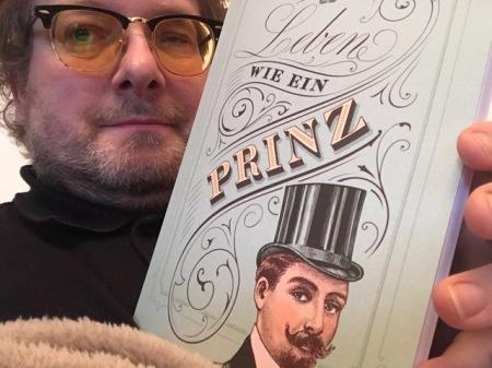Ich kann das Buch allen angehenden Prinzen empfehlen.