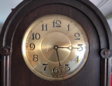 Wer hat an der Uhr gedreht? Schafft bitte die Zeitumstellung wieder ab.