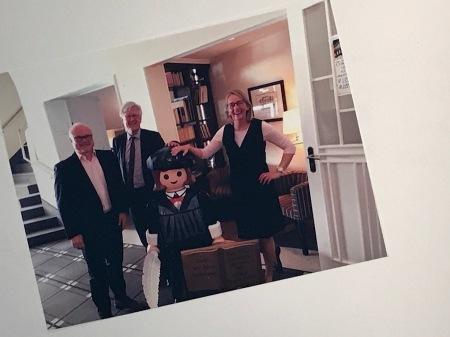 Landesbischof Heinrich Bedford-Strohm bei Besuch im Romantik Hotel Goldene Traube mit Familie Glauben.